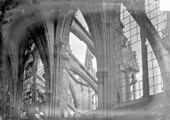 Cathédrale Notre-Dame - Vue intérieure de la nef, côté sud : 3e, 4e et 5e travées