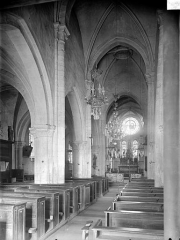 Eglise de la Nativité - Vue intérieure de la nef, vers le nord-est