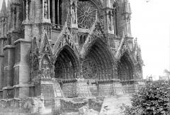 Cathédrale Notre-Dame - Portail de la façade ouest