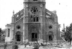 Eglise Saint-Jacques - Façade ouest : partie inférieure