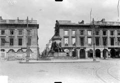 Place Royale - Vue de la place Royale et du monument Louis XV