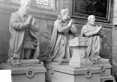 Eglise - Statues funéraires des Villeroy