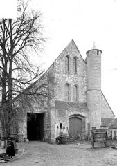 Domaine de la grange cistercienne de Vollerand - Façade d'entrée