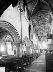 Eglise Saint-Just - Vue intérieure de la nef, vers le nord-est