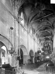 Eglise Saint-Just - Vue intérieure de la nef, vers le sud-ouest