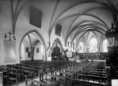 Eglise Saint-Antoine - Vue intérieure de la nef, vers le nord-est