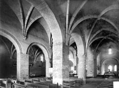 Eglise Notre-Dame - Vue intérieure du bas-côté sud et de la nef
