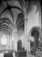 Eglise Saint-Anatoile - Vue intérieure du transept et du choeur