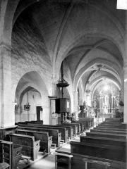 Eglise Saint-Martin - Vue intérieure de la nef, vers le nord-est