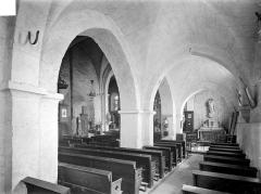 Eglise Saint-Martin - Vue intérieure du bas-côté sud et de la nef