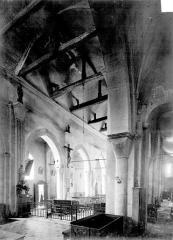 Eglise Saint-Georges - Vue intérieure du bas-côté et de la nef
