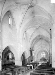 Eglise Saint-Seine - Vue intérieure de la nef, vers le nord-est
