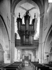 Eglise Saint-Symphorien - Vue intérieure de la nef, vers l'entrée : Orgues