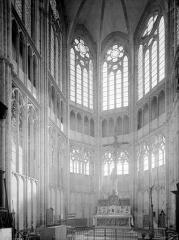 Eglise Saint-Thibault - Vue intérieure du choeur