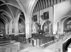 Ancien prieuré - Vue intérieure du bas-côté nord et de la nef, vers le sud-est