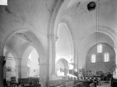 Ancienne Abbaye cistercienne de la Bussière, actuellement Centre d'accueil et de rencontre - Vue intérieure du transept, vers le nord-ouest