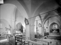 Ancienne Abbaye cistercienne de la Bussière, actuellement Centre d'accueil et de rencontre - Vue intérieure du bas-côté sud et de la nef, vers le nord-est