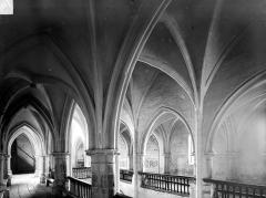 Eglise Saint-Genest - Vue intérieure des tribunes