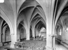 Eglise Saint-Genest - Vue intérieure des tribunes : Nef centrale