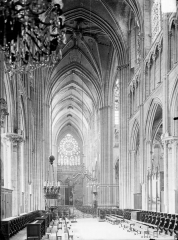 Ancienne cathédrale Saint-Etienne - Choeur et nef
