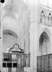 Abbaye Saint-Germain - Vue intérieure de la croisée du transept