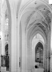 Abbaye Saint-Germain - Vue intérieure du déambulatoire