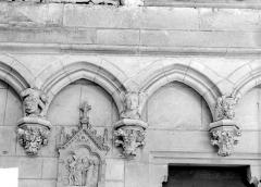 Ancienne cathédrale Saint-Etienne - Vue intérieure du déambulatoire : Détail des arcatures