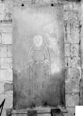 Ancienne cathédrale Saint-Etienne - Pierre tombale