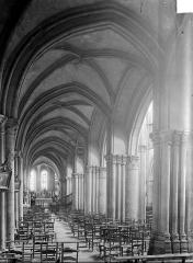 Eglise Notre-Dame - Vue intérieure du bas-côté nord, vers l'est