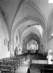 Eglise Saint-Jean l'Evangéliste - Vue intérieure de la nef vers le choeur