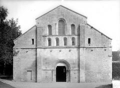Abbaye de Fontenay - Eglise : Façade ouest