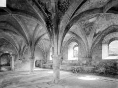 Abbaye de Fontenay - Bâtiment de la forge : Vue intérieure