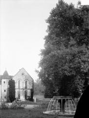 Abbaye de Fontenay - Parc et fontaine