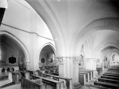 Eglise - Vue intérieure du bas-côté sud et de la nef