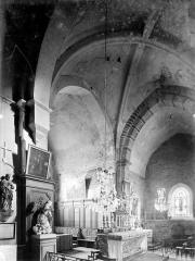 Eglise - Vue intérieure de la croisée du transept, vers le sud-est