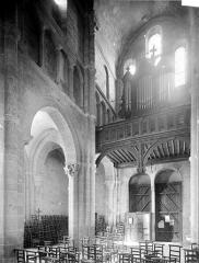Eglise Saint-Andoche - Vue intérieure de la nef : Angle sud-ouest et tribune des orgues