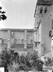 Eglise Notre-Dame et son presbytère - Façade nord : Transept et clocher