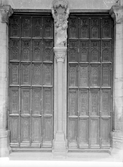 Eglise Notre-Dame et son presbytère - Portail central de la façade ouest : Portes à vantaux