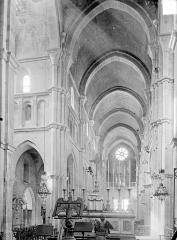 Eglise Notre-Dame et son presbytère - Vue intérieure du choeur et de la nef vers l'ouest