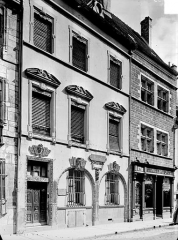 Maison - Façade sur rue