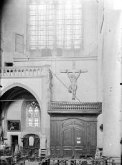 Eglise Notre-Dame - Vue intérieure du transept sud
