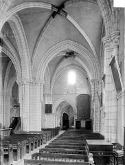 Eglise Notre-Dame - Vue intérieure du bas-côté nord, vers l'ouest