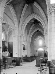 Eglise Notre-Dame - Vue intérieure de la nef et du bas-côté nord, vers l'ouest