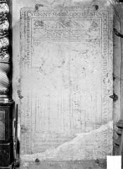 Eglise Notre-Dame - Dalle funéraire d'Odon de la Tour