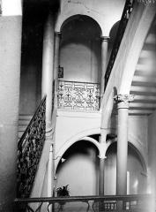 Collège Saint-Jérôme - Vue intérieure de la cage d'escalier