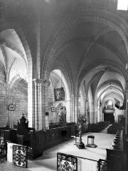 Eglise Saint-Valérien - Vue intérieure de la nef vers le sud-ouest