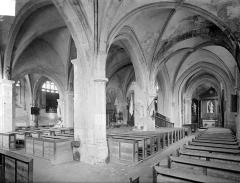 Eglise Saint-Loup - Vue intérieure du bas-côté sud et de la nef, vers le nord-est