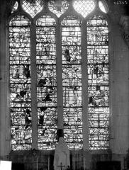 Eglise Saint-Pierre Saint-Paul - Vitrail du choeur : Vie de la Vierge, vie de saint Pierre, vie de saint Antoine de Padoue et vie de saint Eloi