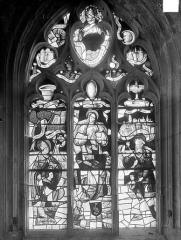 Eglise Saint-Pierre Saint-Paul - Vitrail du bas-côté sud : L'Immaculée Conception