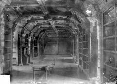 Ancien collège des Jésuites, actuellement Hospice général Museux - Bibliothèque : Vue d'ensemble de la salle
